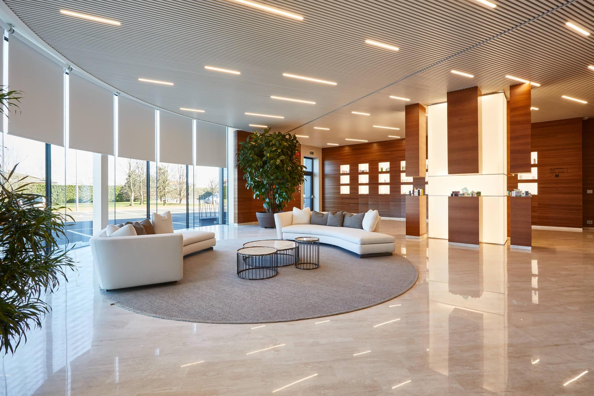 ak engineering - biofarma 1 - hall ingresso Sonia De Boni