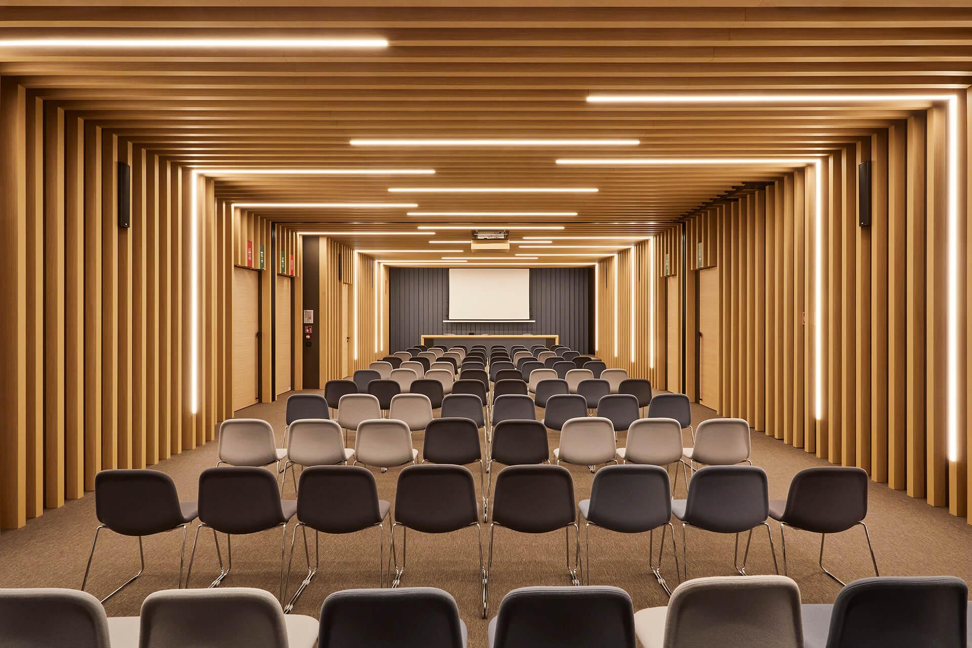 ak engineering - biofarma 1 - sala conferenze Sonia De Boni