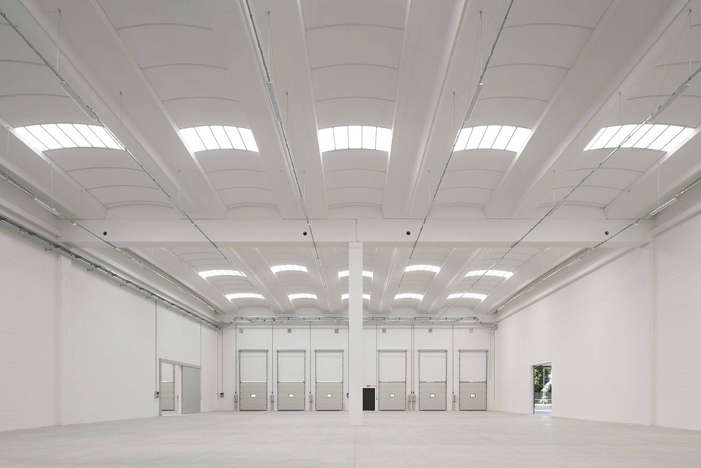 Gli interni del magazzino Carola Merello