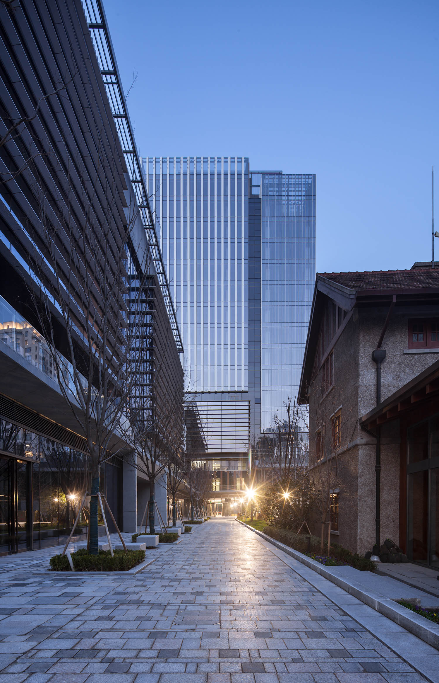 night view Atelier Ping Jiang / EID Arch