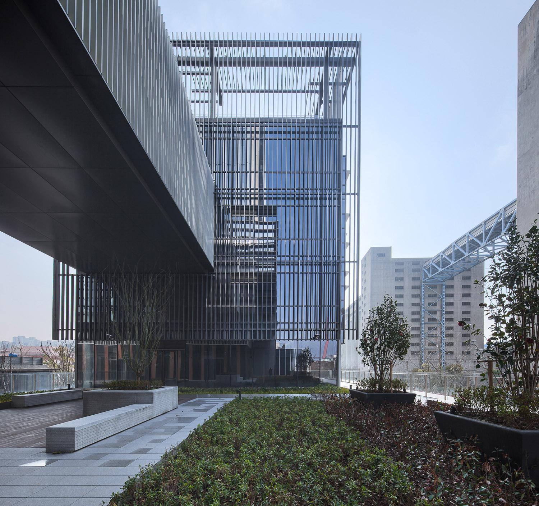Horizontal corridor Atelier Ping Jiang / EID Arch