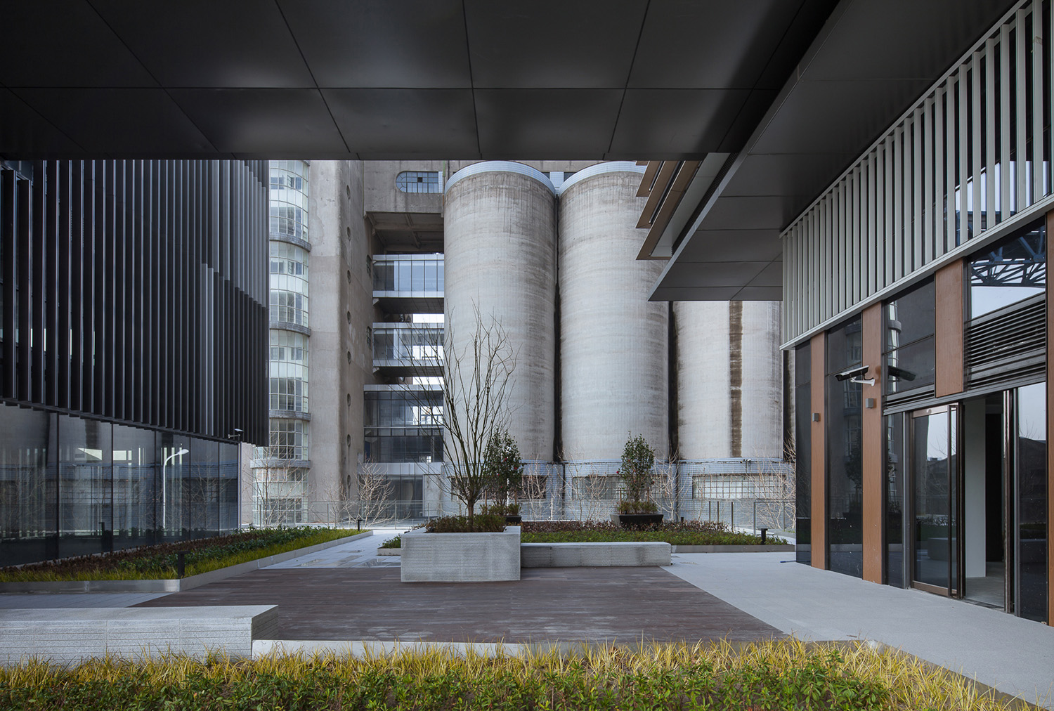 Interior courtyard Atelier Ping Jiang / EID Arch