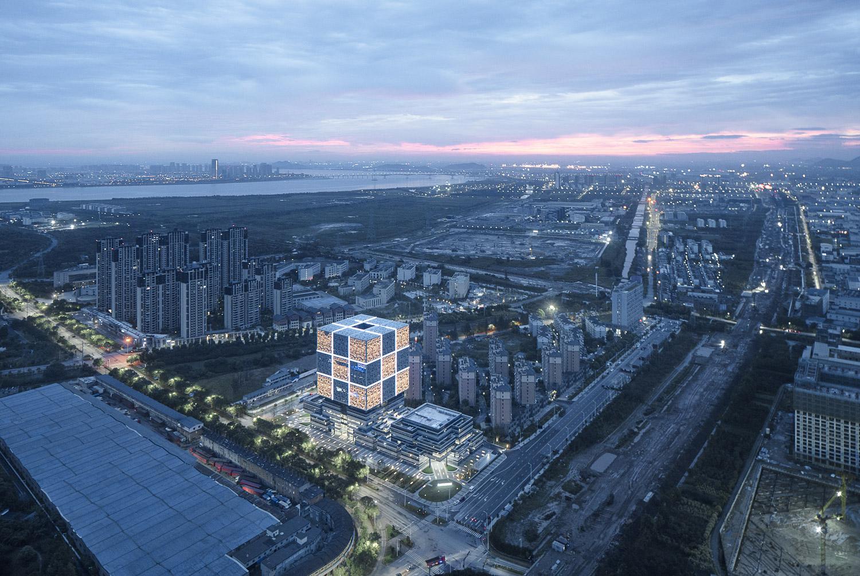 Building and surroundings Zhao Qiang