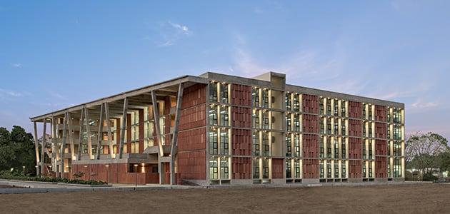 Istituto d'Ingegneria e Tecnologia  dell'Università di Ahmedabad