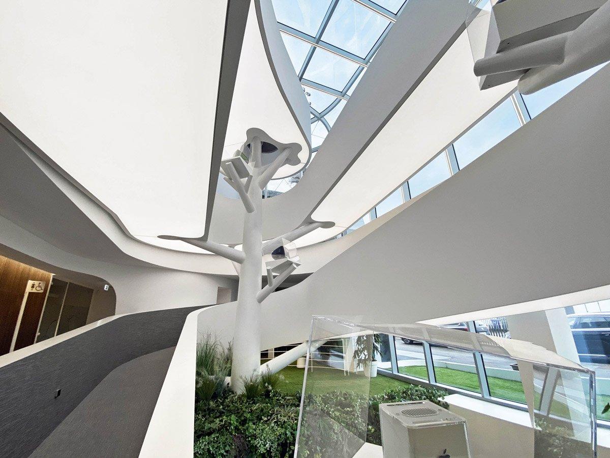 L'architettura dei soffitti tesi: soluzioni che valorizzano
