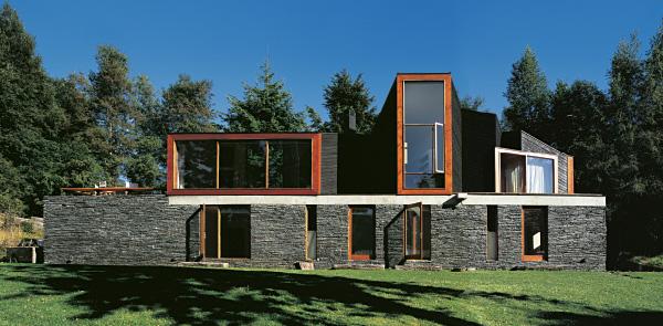 Casa sul lago pirehueico for Costruire una casa sul lago