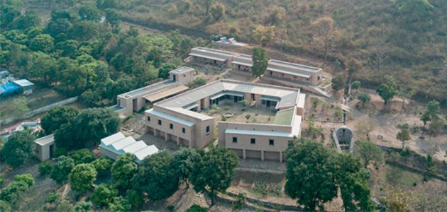 Laboratorio tessile Ganga Maki