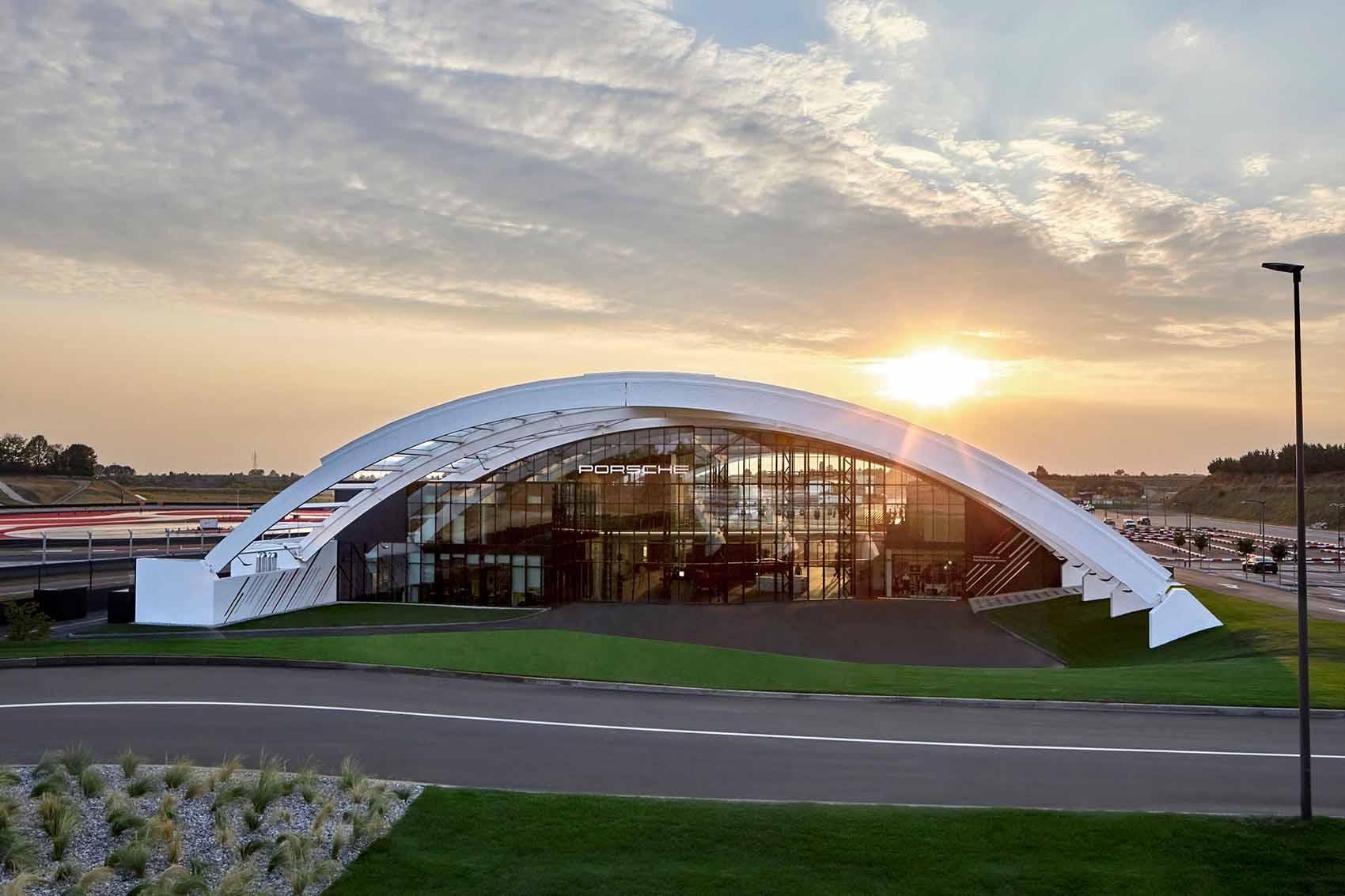 Porsche Experience Center Franciacorta, eccellenza e innovazione