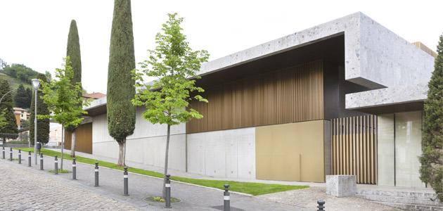 Nuovo Teatro Papa Giovanni XXIII, interventi contemporanei in un borgo