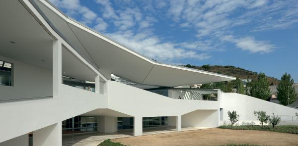 Gli architetti spagnoli cavalcano la crisi