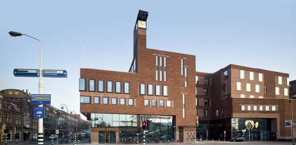 Raakspoort - City Hall and Bioscoop