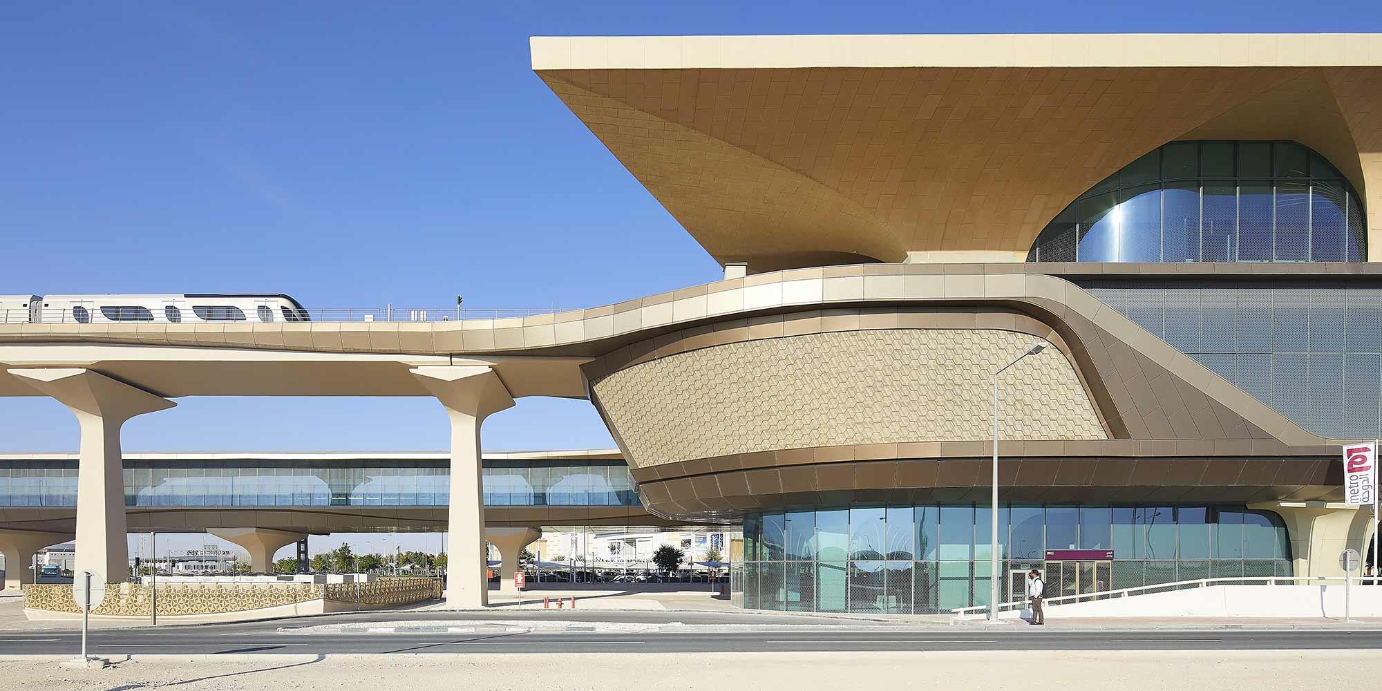 La nuova, futuristica e visionaria metropolitana di Doha