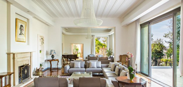 PRIVATE HOME colors and materials in the value of a restoration work