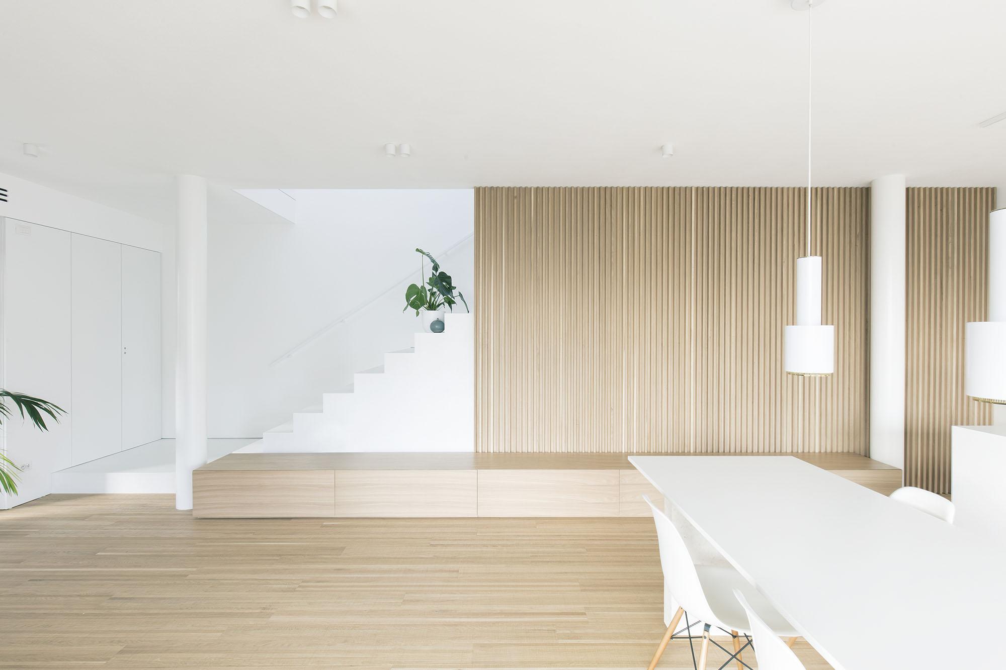 Un linguaggio moderno per un interior elegante: HOUSE EA