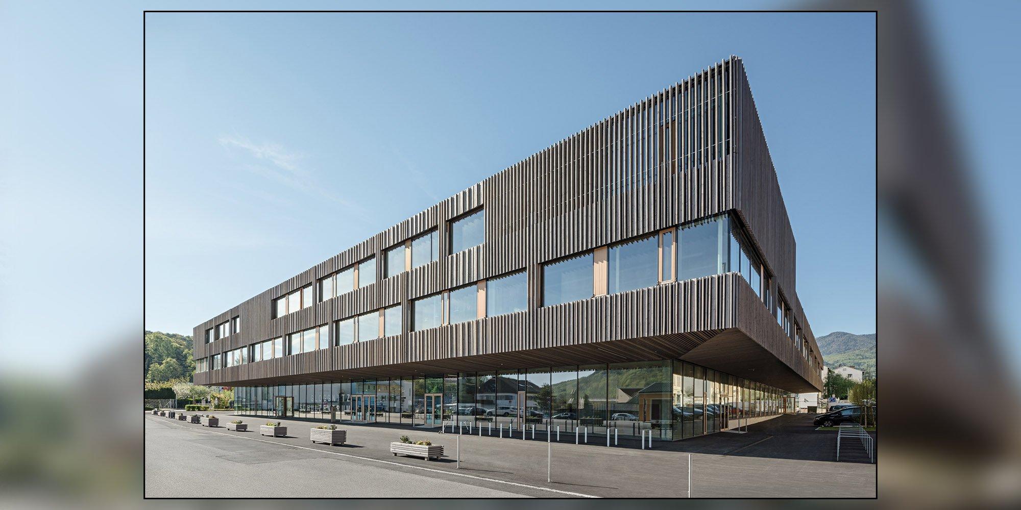 Tre scuole in un unico complesso scolastico in legno a Gloggnitz
