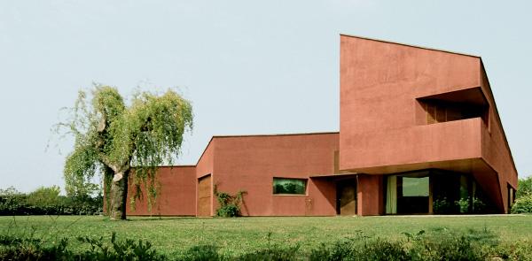 Architetture di spazi ed involucri, tre residenze