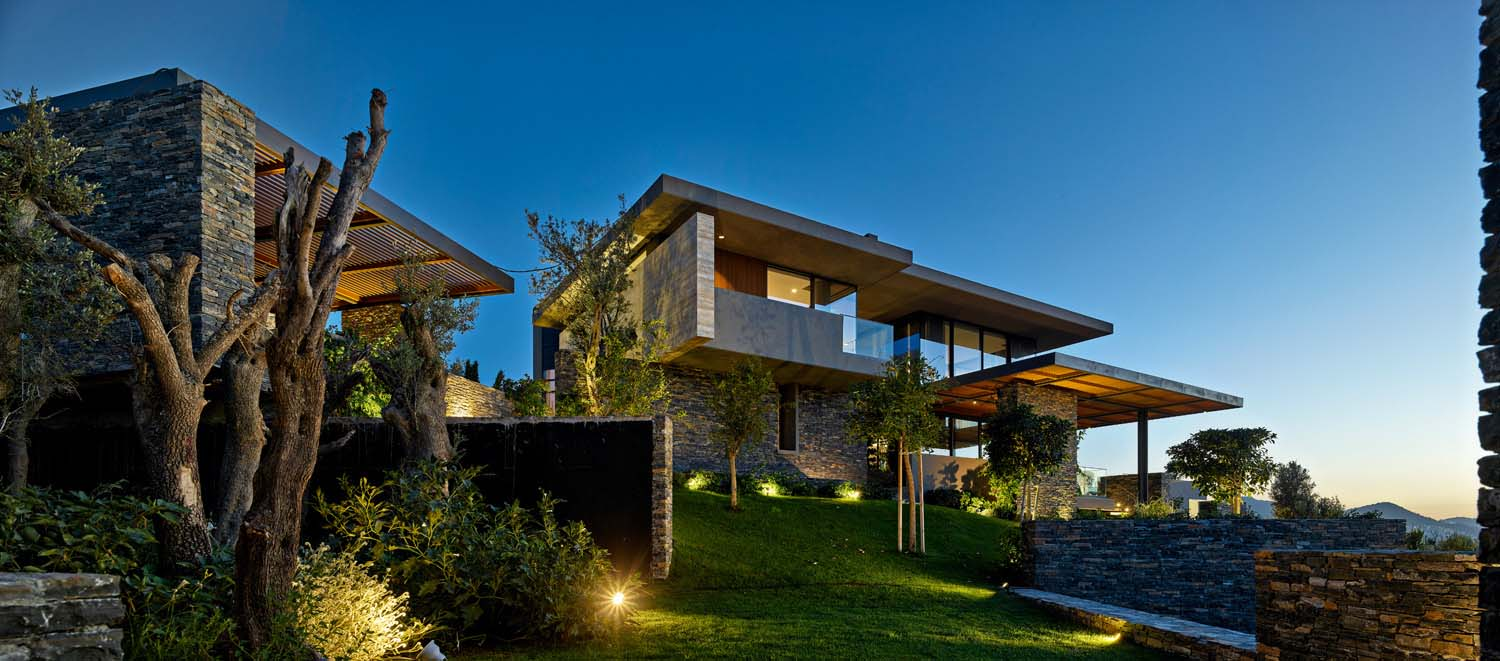 Hillside Living with a Sea View