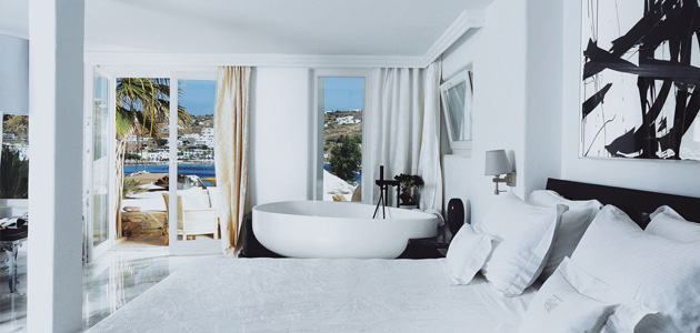 Brick nelle suites del Kivotos Luxury Boutique Hotel a Mykonos