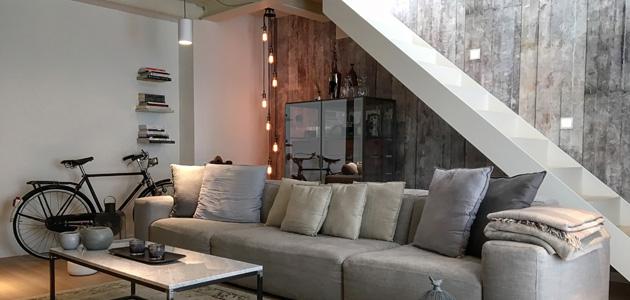 Fima protagonista in un appartamento in stile industriale