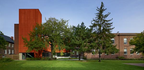 Max Gluskin House Department of Economics, University of Toronto