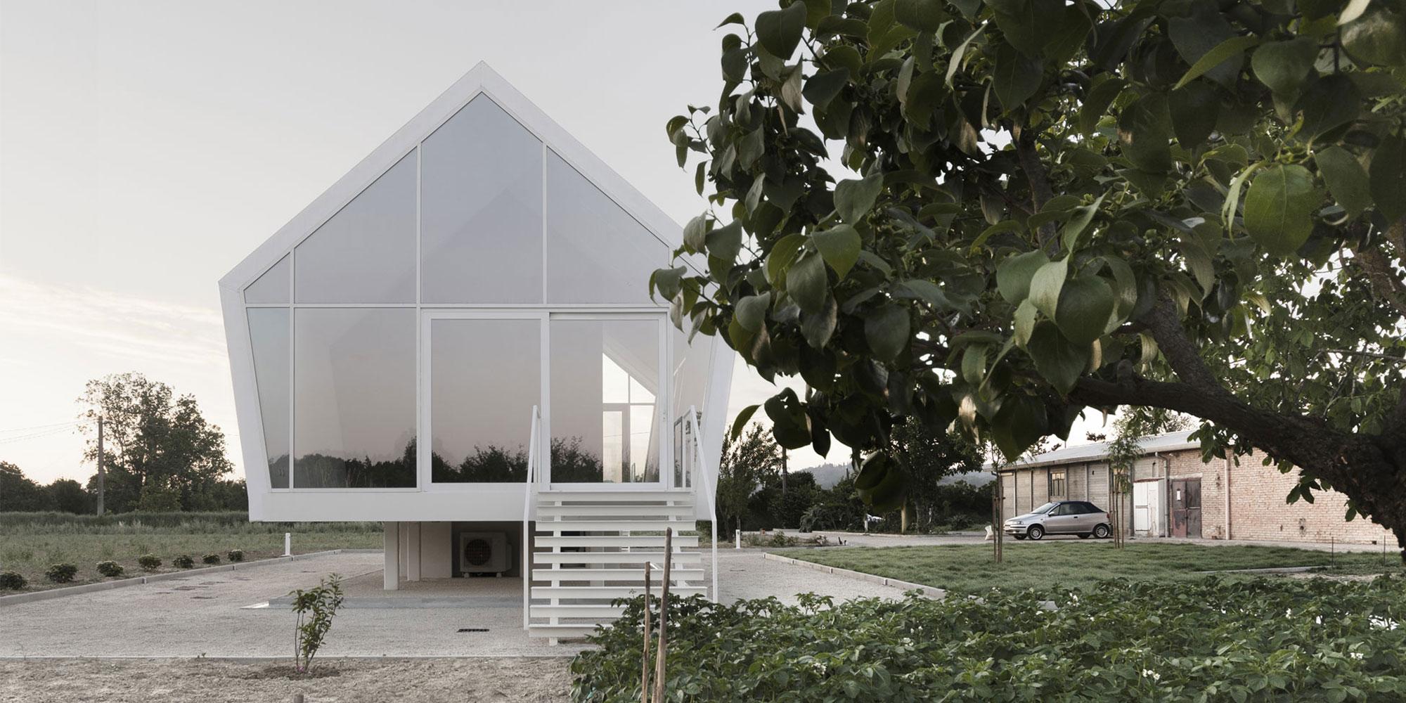 La casa nell'orto,l'architettura contemporanea riattiva il territorio