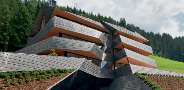 Tra architettura organica e digitale