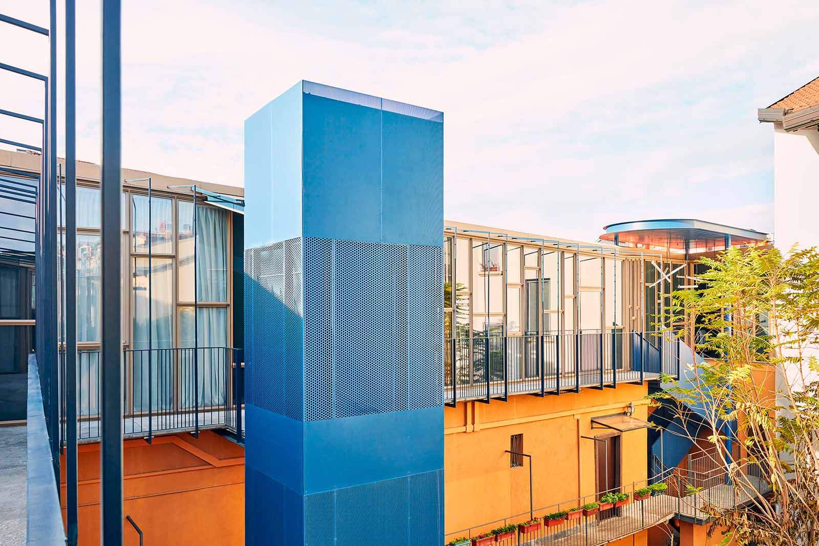 Blue Moon: architectural jazz in Milan's rooftops