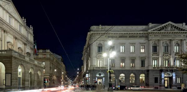 Gallerie d'Italia, Piazza Scala