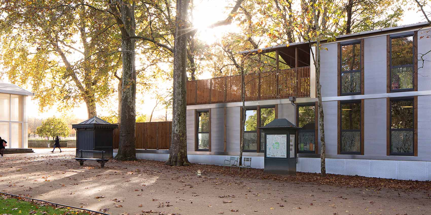 A dismountable, movable, and rebuildable wooden school