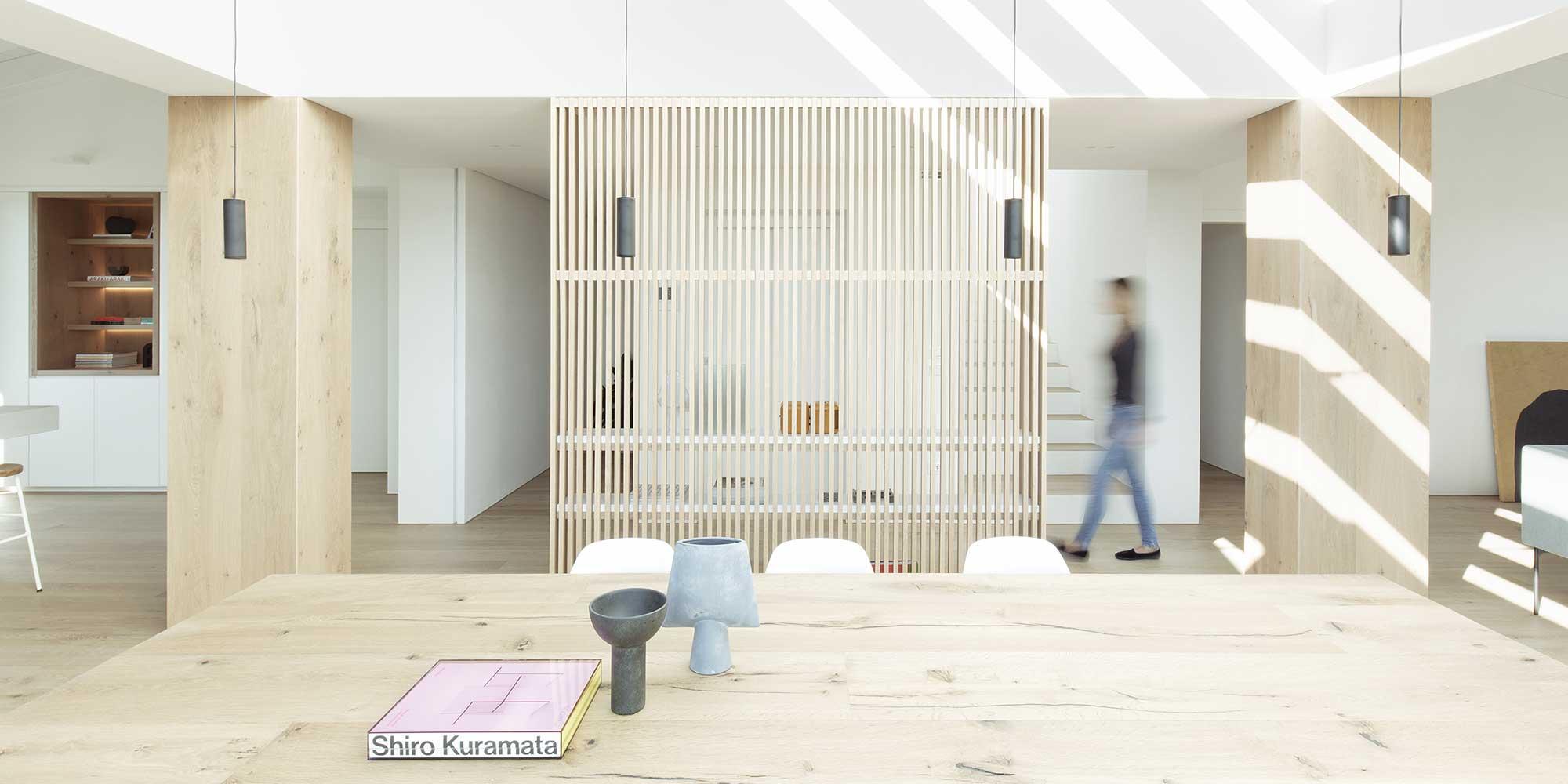 INTERIOR RA, un fine appartamento dal gusto contemporaneo