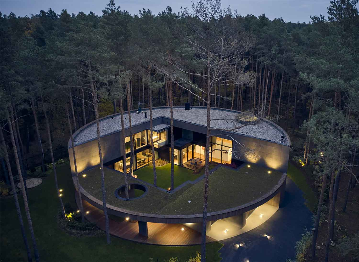 Circle Wood, a tree between architecture and nature
