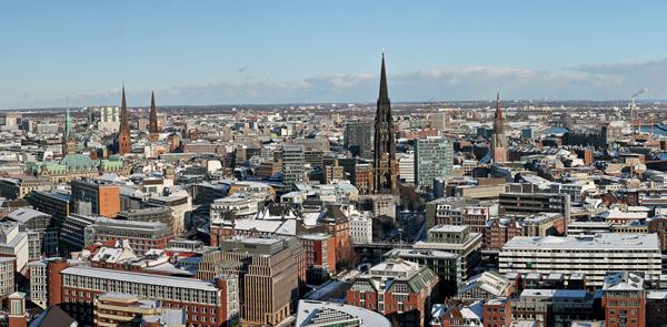 Hamburg Mapping: Una metropoli d'acqua con la nostalgia del futuro