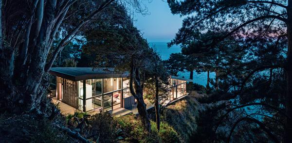 A picco sul Pacifico. Una casa simbolo dello splendore della costa centrale californiana