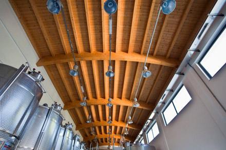 Illuminazione interna per tetti in legno illuminare con il led