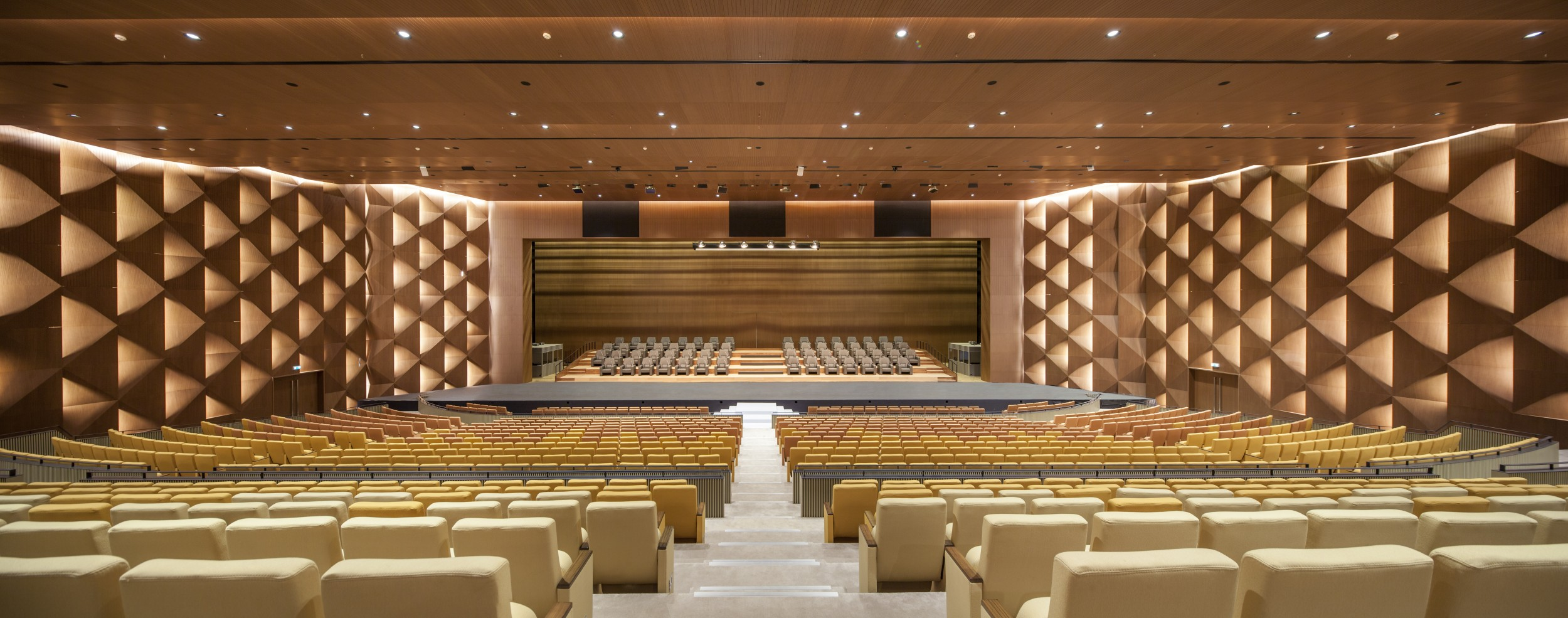 Dakar Congress Center, Tabanlioglu Architects © Emre Dörter
