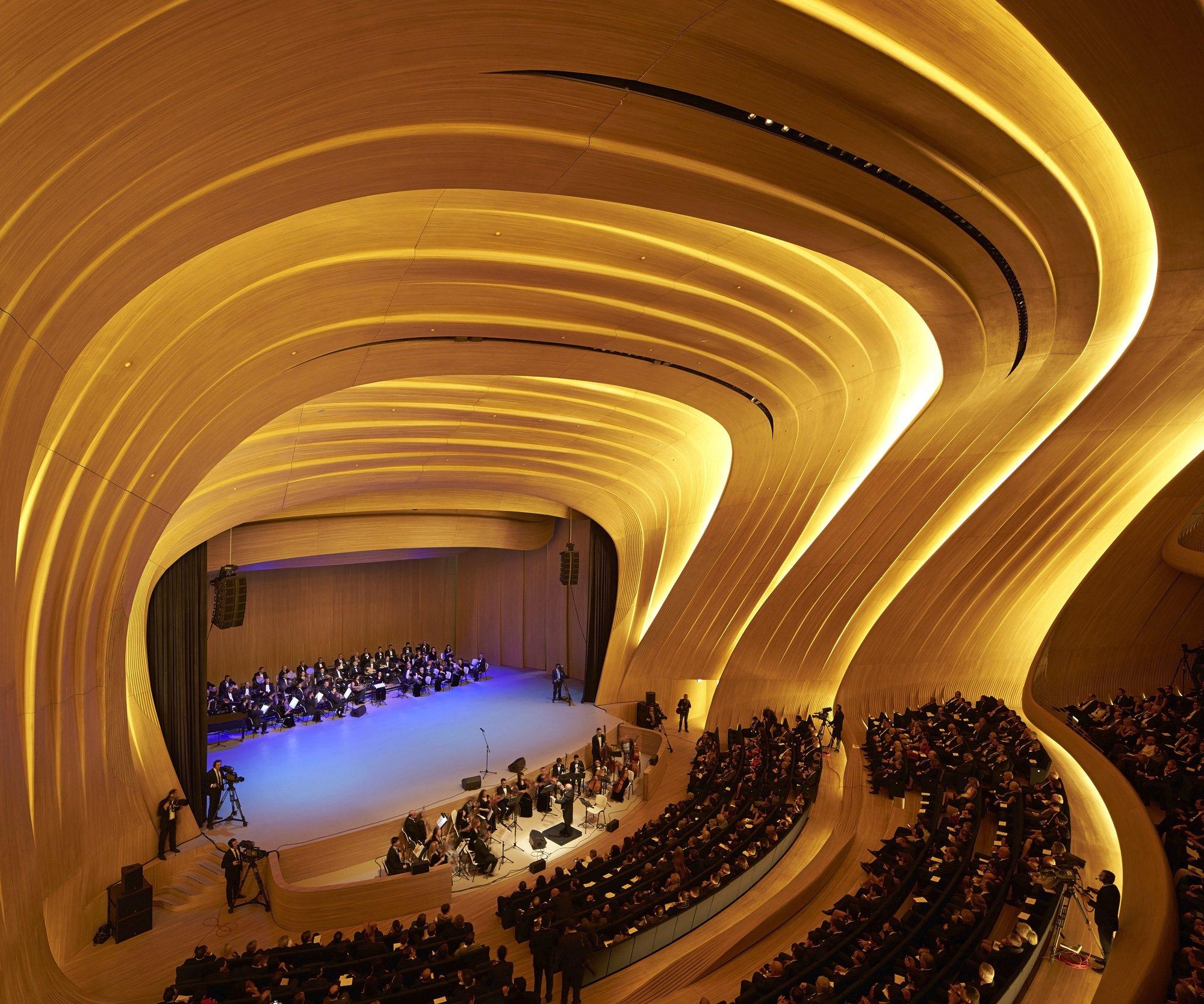 Heydar Aliyev Center, Zaha Hadid Architects © Hufton + Crow