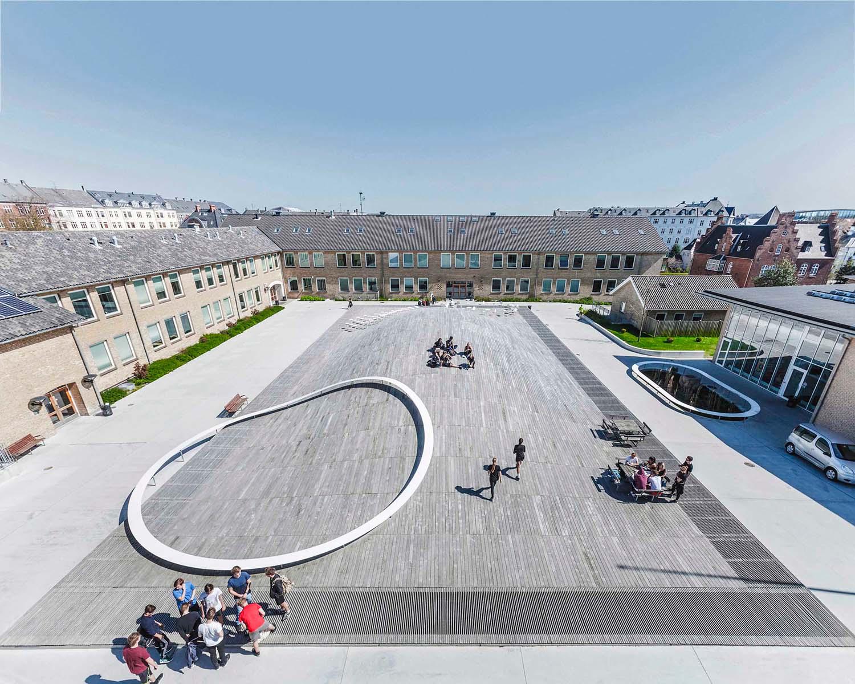 Istituto d'istruzione Gammel Hellerup di BIG © Rasmus Hjortshoj