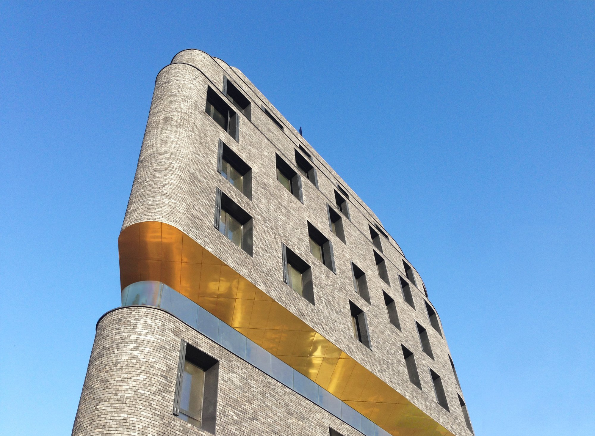 DAY-CARE AND HOSTEL COMPLEX, AVENIER CORNEJO ARCHITECTES
