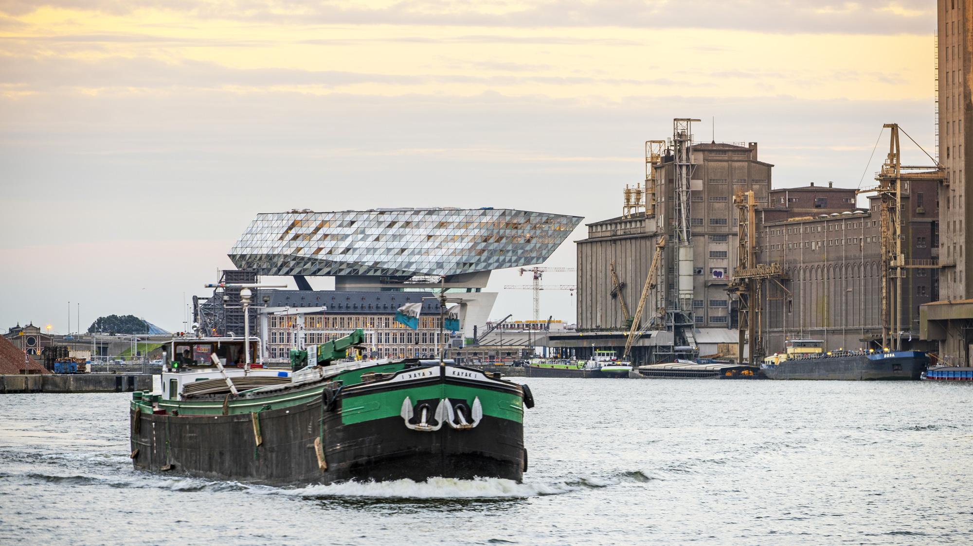 La nuova Port House, Zaha Hadid Architects © Tim Fisher