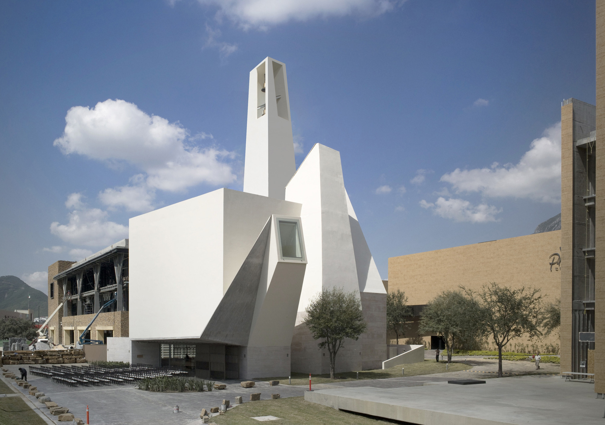 Parish Church El Senor De La Misericordia, Moneo Brock - Jeffrey Brock © Moneo Brock
