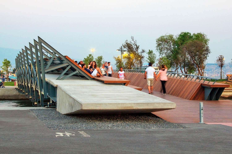 Bostanli Footbridge, Studio Evren Başbuğ Architects ZM Yasa Architecture Photography, courtesy of Studio Evren Başbuğ Architects