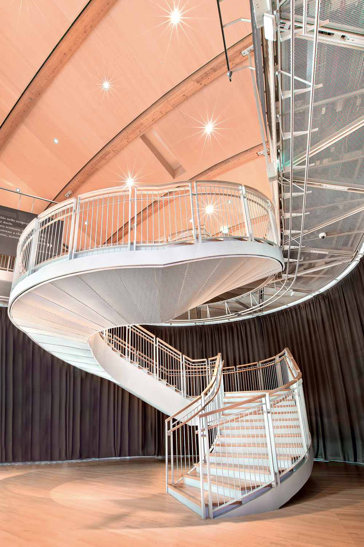 Complesso polifunzionale UniCredit Pavillon, Milano, Italia Scala elicoidale in metallo con  p