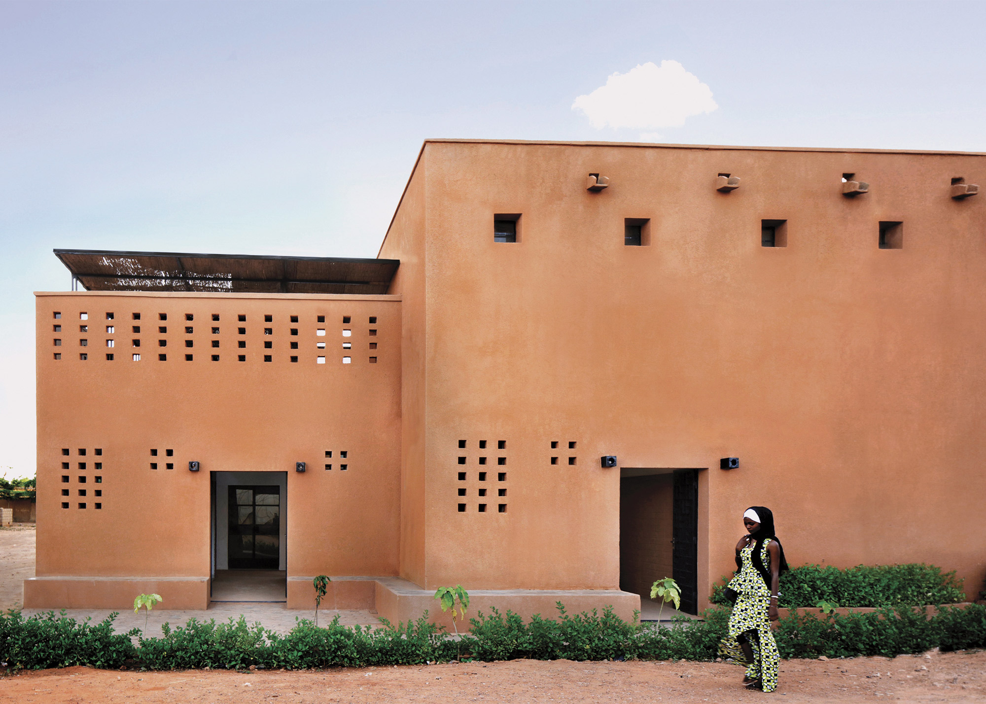 Rolex Mentor &Protégé Collaborative project by Mariam Kamara in a residential area of Niamey, Niger