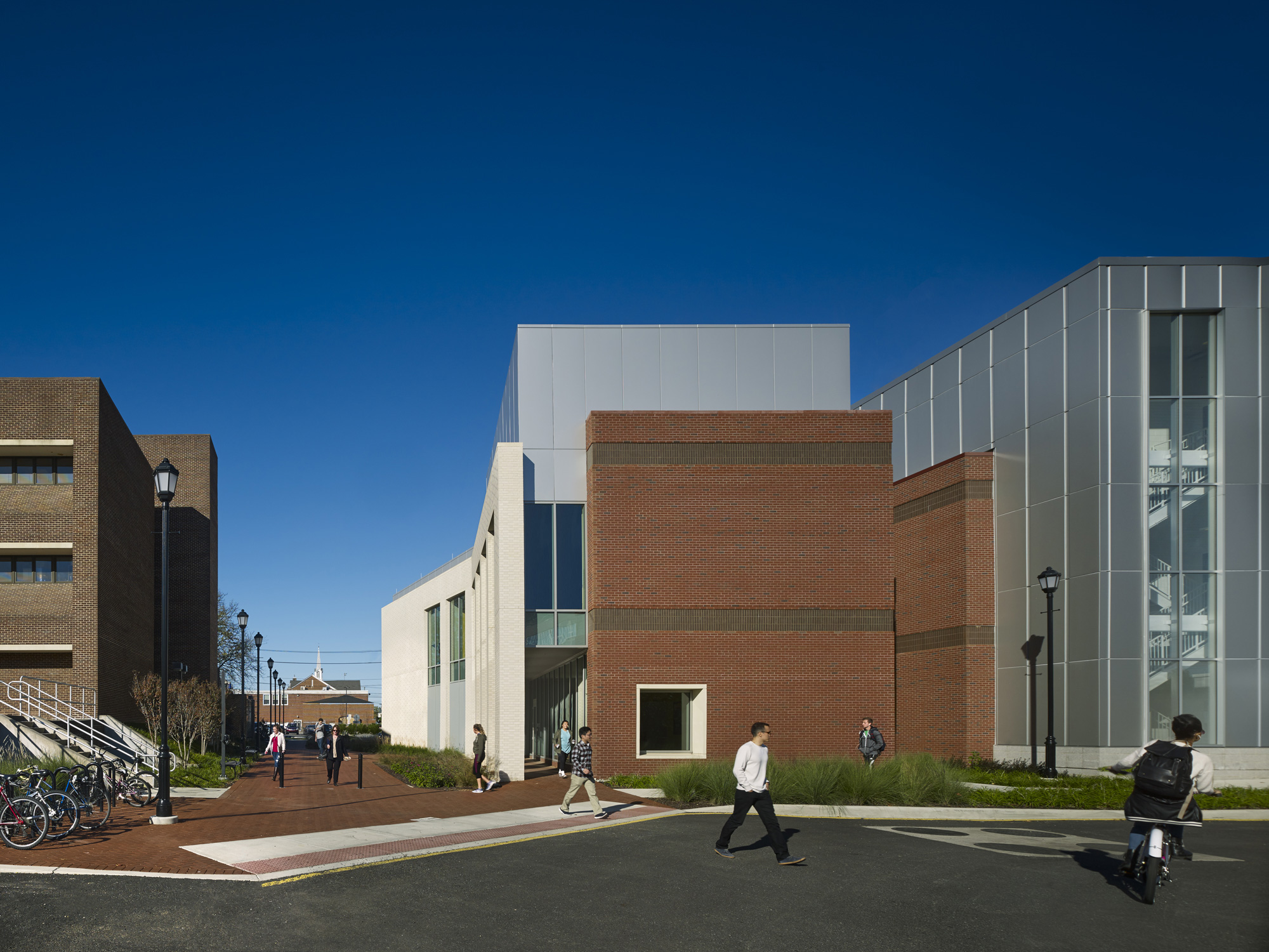 Center for Biomedical and Brain Imaging