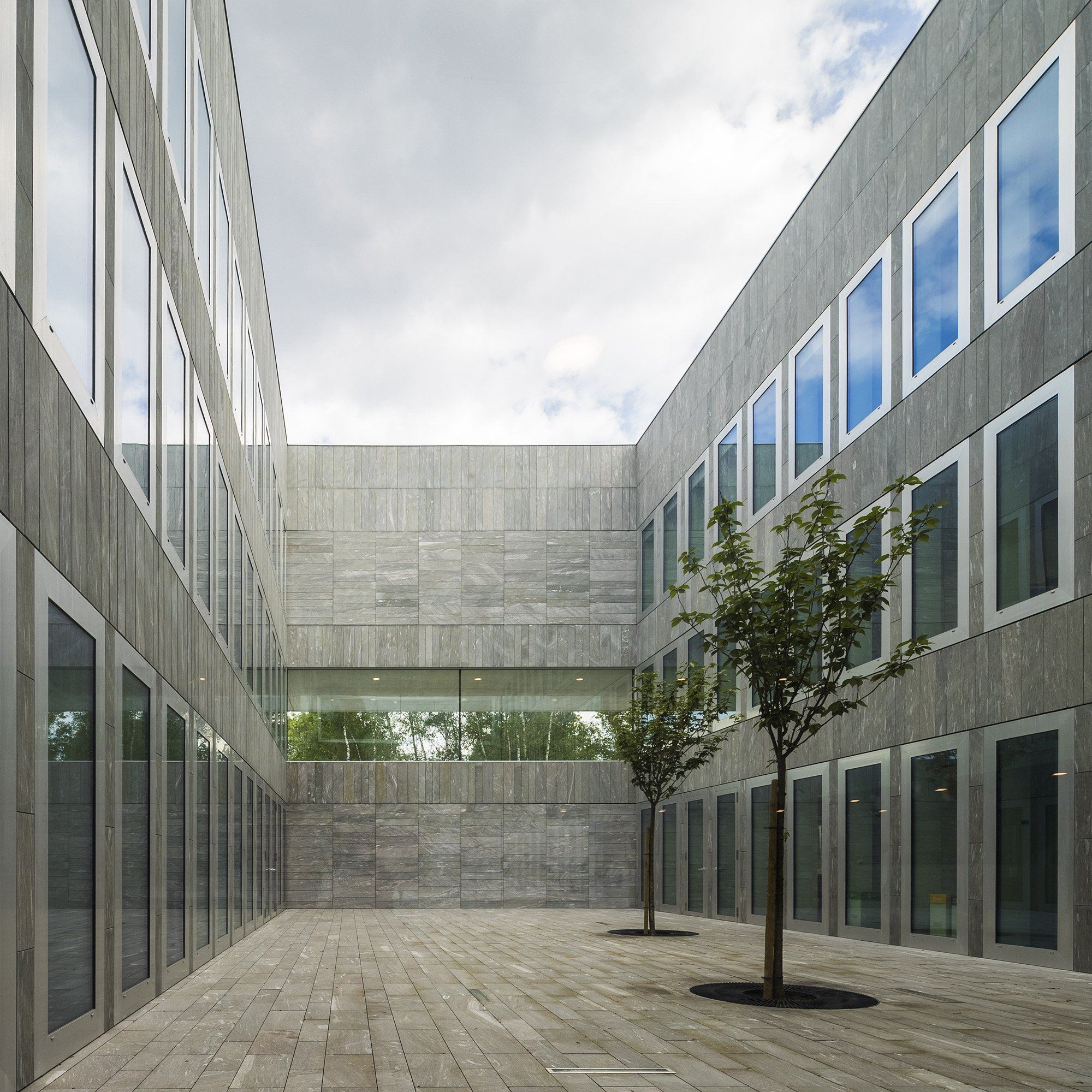 Chambre de Métiers et de l'Artisanat Hauts-De-France ©Fernando Guerra FG+SG, courtesy Kaan Architecten and PDAA