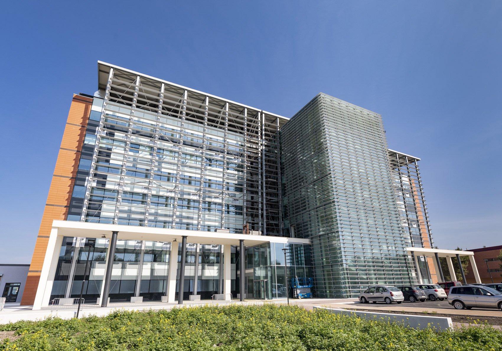 Dipartimento Emergenza Urgenza (DEU) Courtesy Saint-Gobain Glass