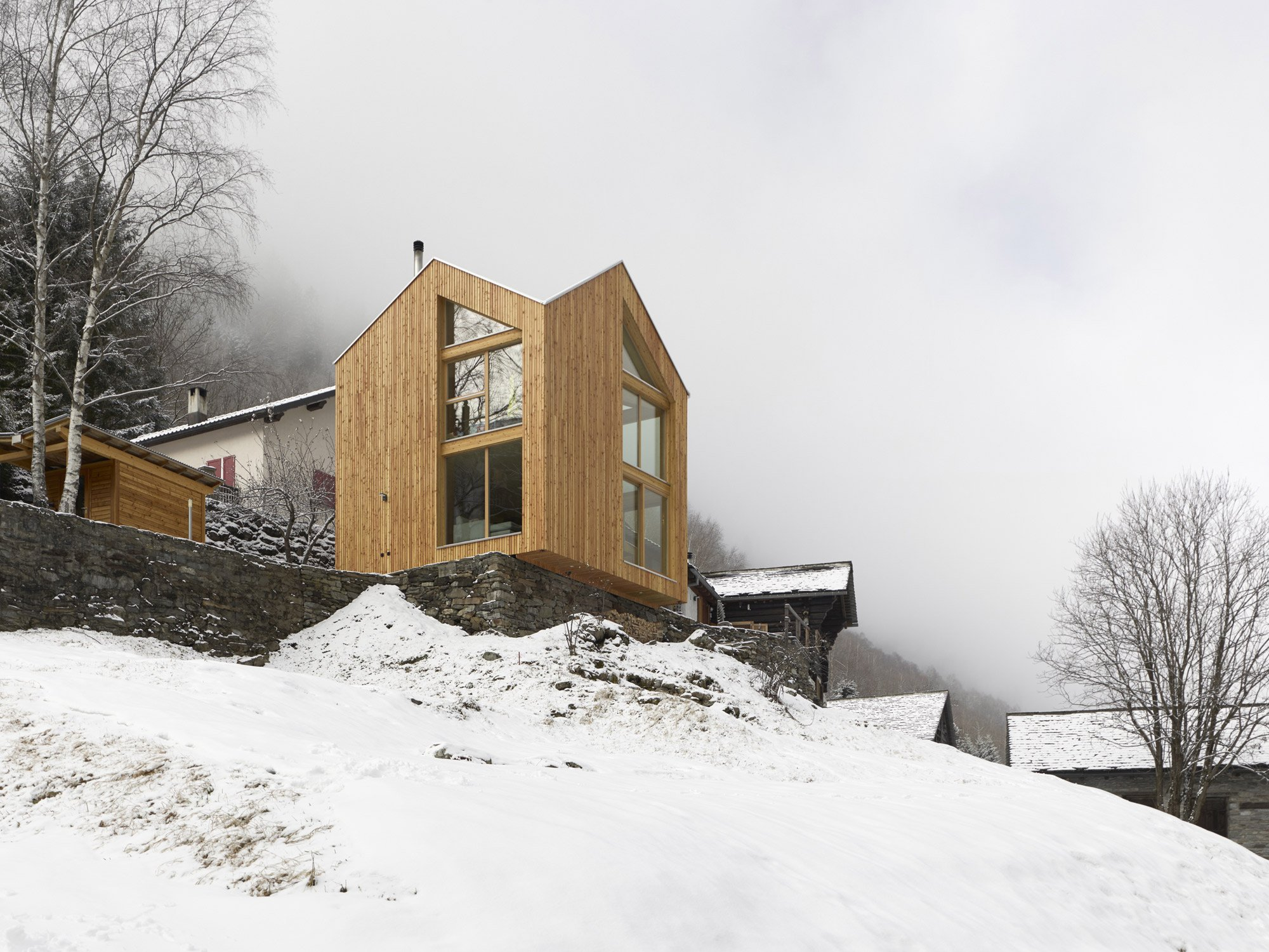 SWISSHOUSE XXXV, a tiny timber house in the Swiss Alps - Davide