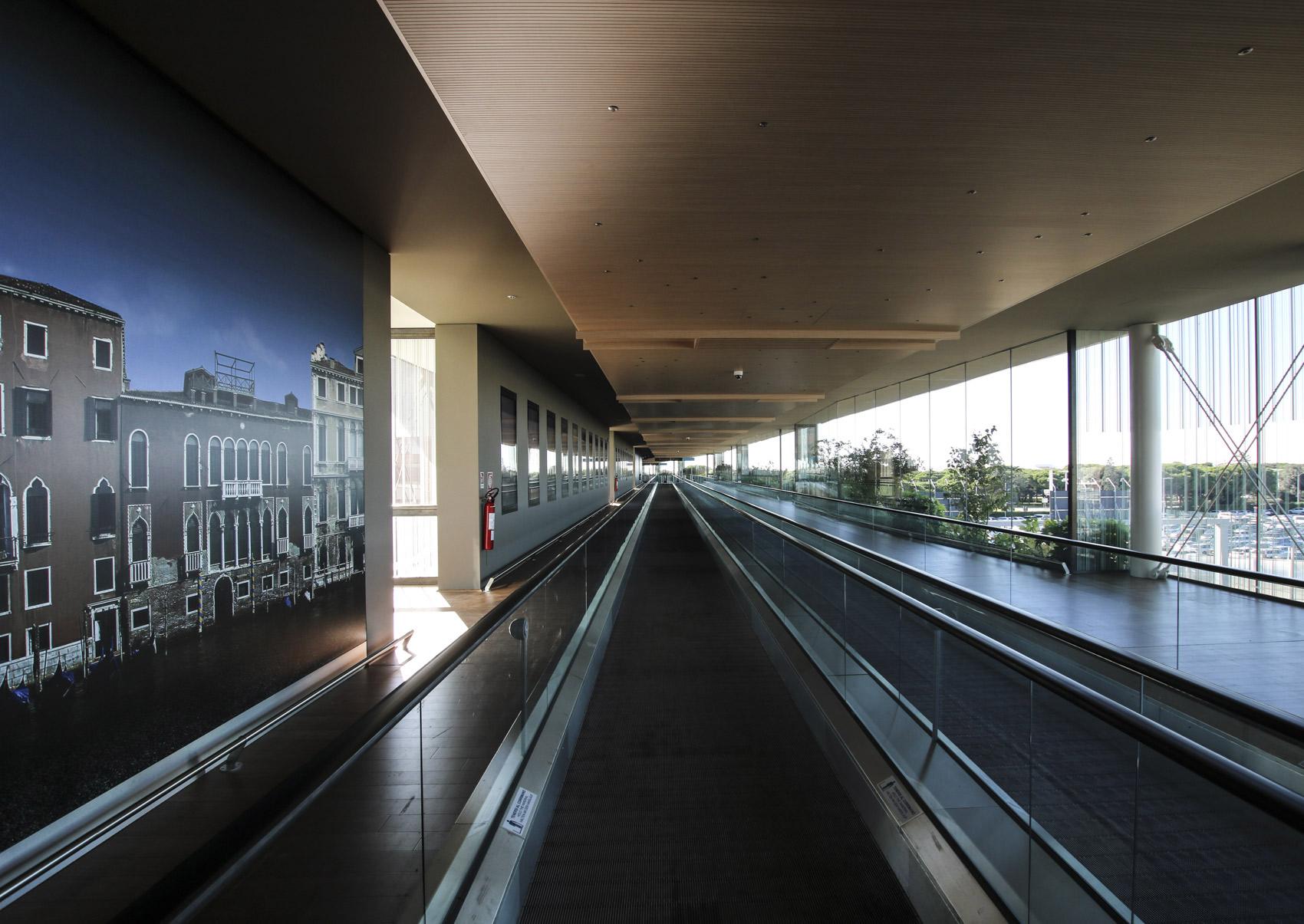 Aeroporto Marco Polo Courtesy Saint-Gobain Glass
