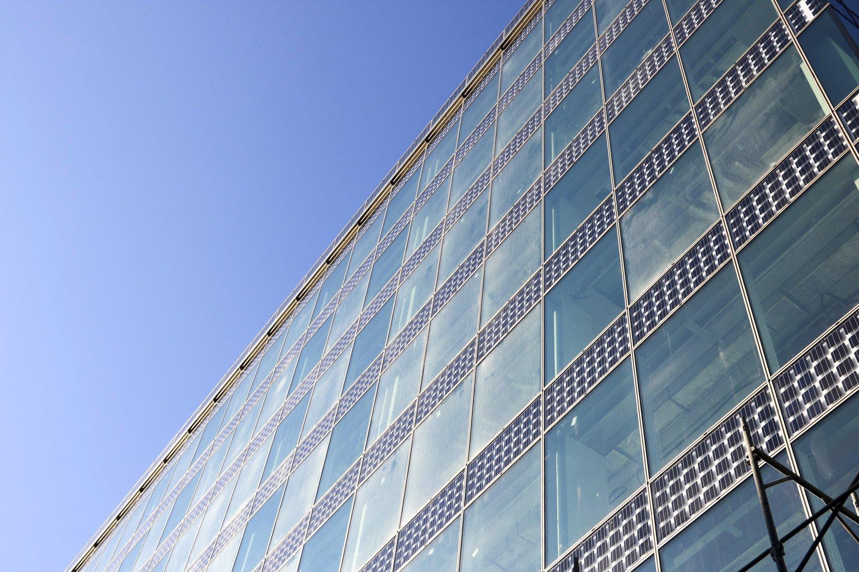 2Degrees Building Courtesy Saint-Gobain Glass