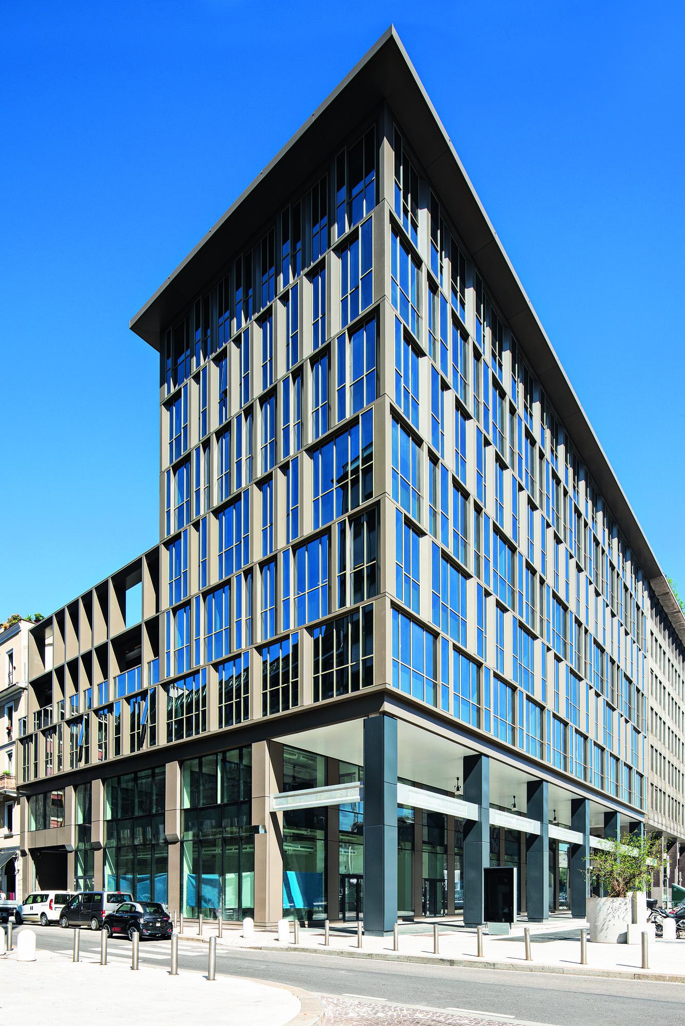 © Carola Merello Edificio per uffici in via Pisani, Milano, 2020